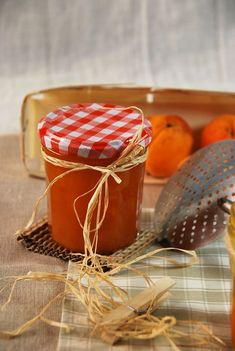 Apricot jam home Apricot Jam Recipes, Sundried Tomato Pesto, Compote Recipe, Fruit Jam, Jam And Jelly, Best Fruits, Vegetable Drinks, Healthy Eating Tips, Healthy Nutrition