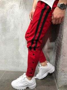 Red striped jogging with closure buttons Streetwear Sweatpants Style, Jogger Sweatpants, Indian Men Fashion, Mens Fashion, Streetwear Men, Ropa Hip Hop, Hip Hop Outfits, Mens Joggers, Sport Outfits