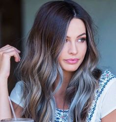 Carefree days are here again - perfect for loose bohemian waves! #wavyhair #haircut #longhair