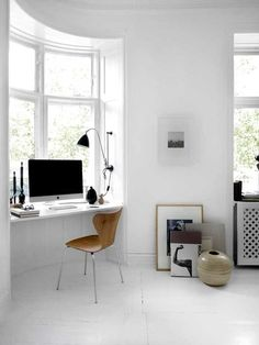 Workplace in a small apartment: 7 practical ideas and 30 bright examples. More information: http://wonderdump.com/workplace-in-a-small-apartment-7-practical-ideas-and-30-bright-examples/
