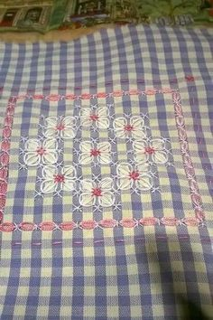 I love Chicken Scratch - such a wonderful range of possibilities from humble 'Gingham' :)