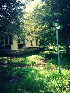 CREEPY abondoned house in Lost Springs,Ks another one taken by me!