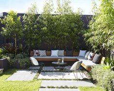 Large backyard landscaping ideas are quite many. However, for you to achieve the best landscaping for a large backyard you need to have a good design. Home Garden Design, Backyard Garden Design, Small Backyard Landscaping, Small Garden Design, Backyard Patio, Landscaping Ideas, Backyard Ideas, Backyard Seating, Backyard Designs