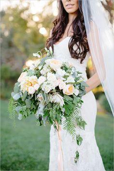pastel pink bouquet @weddingchicks