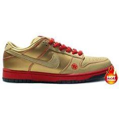 best sneakers b7623 689fb Womens Nike Dunk Low Pro SB money cat (metallic gold gold dust)