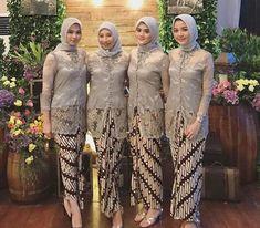 Kebaya Jawa Batik Modern Hijab Model Rok Kebaya, Model Kebaya Brokat Modern, Kebaya Modern Hijab, Kebaya Hijab, Kebaya Dress, Batik Kebaya, Kebaya Muslim, Kebaya Wedding, Muslimah Wedding Dress