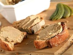 Chicken Liver Mousse - Recipe with images - Meilleur du Chef Baked Chicken Recipes, Sausage Recipes, Bratwurst, Chicken Liver Mousse, Healthy Cooking, Cooking Recipes, Chopped Liver, Pate Recipes, Laos Food
