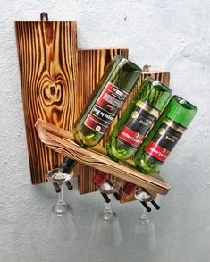 Wine Bottle Display, Made Coffee Table, Wood Wine Racks, Small Wood Projects, Easy Crafts, Woodworking, Home Decor, Woodworking Jigs, Wine Bottle Holders