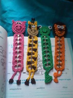 crochet animal bookmarks using pull tabs - Yahoo Image Search Results Soda Tab Crafts, Can Tab Crafts, Bottle Cap Crafts, Crochet Bookmarks, Crochet Books, Crochet Gifts, Pop Top Crafts, Pop Tabs, Crochet Animals