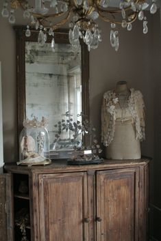 I love the entry hutch and the aged staining!