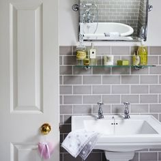 Bathroom inspiration! Grey brick bathroom tiles, look so clean and classy.