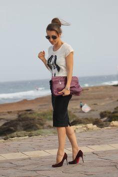 Pencil skirt plus graphic t-shirt   Well-living Blog