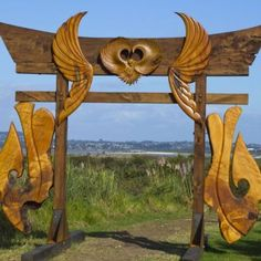 Kerry Strongman – Sky Portal to Ascension (photo: Vanessa Green) - Harbourview Sculpture Trail 2012