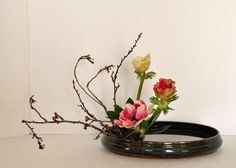 les bouquets - Art floral japonais Ikebana, Bouquets, Art Floral, Flower Arrangements, Glass Vase, Home Decor, Floral Arrangement, Color, Flowers