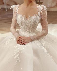 Fantasy Wedding Dresses, Wedding Gowns, Boho Wedding, Long Sleeve Bridal Dresses, Bridal Gowns, Dress Long, Looks Party, Beautiful Gowns, Beautiful Dream