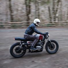 caferacersofinstagram: BC X Raen X Poler shoot in Oregon. ...  caferacersofinstagram:  BC X Raen X Poler shoot in Oregon. Check out their blog for more pictures and read all about the day. @british_customs  http://ift.tt/1a3DCsI  Photo | @nostalgia_memoir #croig #caferacersofinstagram #cb_builds #britishcustoms #BCbuilt