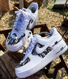 dior Air Force in smaller sizes to because so many asked for smaller sizes so these start at size 3 UK up to 13 UK ✌🏻 All Nike Shoes, Dr Shoes, Nike Shoes Air Force, Hype Shoes, Adidas Shoes, Jordan Shoes Girls, Girls Shoes, Shoes Women, Cute Sneakers