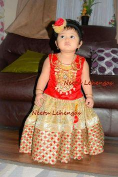 Kids lehenga Cute Baby Dresses, Little Girl Dresses, Father And Baby, Baby Girl Dress Patterns, Kids Lehenga, Indian Baby, Kids Gown, Kids Wardrobe, Cute Baby Pictures