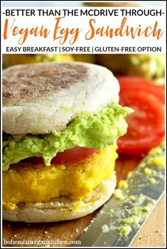 For a delicious (yet simple) breakfast, enjoy these vegan egg sandwiches, which are topped with juicy tomato sliced and smashed avocado! Completely vegan and soy-free, these breakfast sandwiches can be made gluten-free by using GF english muffins. Low Carb Vegan Breakfast, Vegan Breakfast Recipes, Brunch Recipes, Vegan Recipes, Healthy Breakfasts, Vegan Meals, Breakfast Ideas, Egg Sandwiches, Breakfast Sandwiches