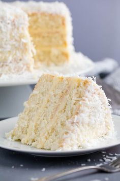 Suitable for cupcakes - This Coconut Cake Recipe is made from scratch and full of bold coconut flavor and topped off with a coconut cream cheese frosting. This is the kind of cake that will wow everyone in the room! Food Cakes, Cupcake Cakes, Muffin Cupcake, Baking Recipes, Dessert Recipes, Top Recipes, Recipies, Dessert Aux Fruits, Cookies Et Biscuits