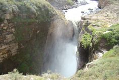 Vive el ecoturismo en la Catarata de Sipia en Arequipa.  Como parte del ecoturismo en la reserva de Cotahuasi, en Arequipa, se encuentra la Catarata de Sipia con siete caídas de agua de 150 metros aproximadamente de altura en todo su curso, más tres divisiones o saltos de agua.