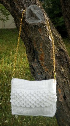 White Crocodile Purse – Crochet Uncut
