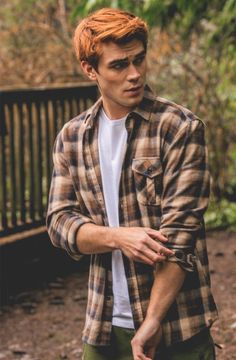 Discovered by man. Find images and videos about actor riverdale and kj apa on We Heart It - the app to get lost in what you love. Kj Apa Riverdale, Riverdale Aesthetic, Riverdale Cast, Archie Andrews Riverdale, Riverdale Archie, Archie Comics, Hot Actors, Actors & Actresses, Film Serie