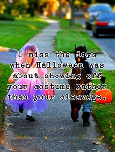 Halloween with kids vs. Halloween with a teenage girl! Holidays Halloween, Happy Halloween, Halloween Costumes, Teacher Costumes, Healthy Halloween, Pet Costumes, Girl Costumes, Christmas Holidays, Funny Halloween Pictures