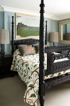 Discover bedroom design ideas on HOUSE - design, food and travel by House & Garden. Black furniture, bold pattern and art mix for a warm, inviting bedroom. Black Bedroom Furniture, Modern Bedroom Decor, Trendy Bedroom, Design Bedroom, Charcoal Bedroom, Best Interior, Interior Design, Bedding Inspiration, Bedroom Layouts