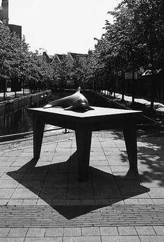 Marcel Smink, Oorlogherdenkingsmonument (1995), Markt, Almere Haven. © Jannes Linders, Museum De Paviljoens