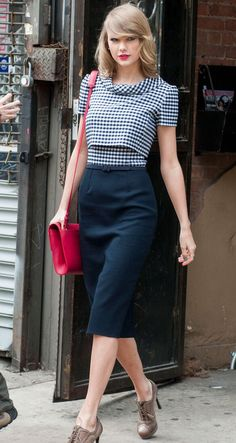 5/4/14 - Taylor Swift leaving the gym in NYC.