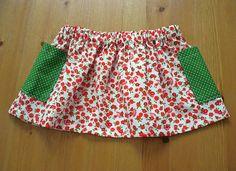 Falda de flores con bolsillos de Nicomo Niporqué. Flowered skirt by Nicomo Niporqué.  Etsy €15.00