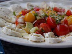 Salata de vara cu mozzarella, poza 1 Mozzarella, Cobb Salad, Meat, Chicken, Food, Essen, Meals, Yemek, Eten