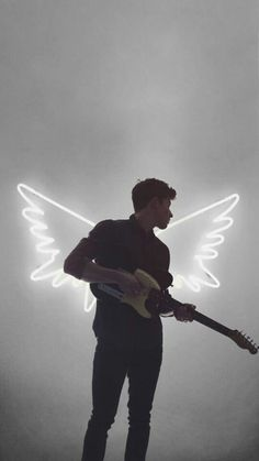 Shawn Mendes is an angel😇 Shawn Mendes Imagines, Shawn Mendes 2017, Shawn Mendes Lindo, Shawn Mendes Tumblr, Shawn Mendes Cute, Shawn Mendas, Mendes Army, Chon Mendes, Shawn Mendes Wallpaper