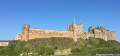 Discover Bamburgh Castle, the seat of ancient kings of Northumbria. Find out how the Angles fought off the Celtic Britons, and why Bamburgh became famous for Christian saints.   #medieval #castle #anglosaxon #bamburgh #bebbanburg #uhtred #bernicia #lindisfarne  http://www.discovermiddleages.co.uk/bamburgh-castle/
