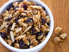 PCOS Breakfast Ideas - CRANBERRY WALNUT PALEO GRANOLA