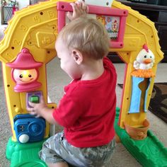 We got the Fisher-Price Laugh & Learn Barn! It's so much fun Fisher Price Laugh und Learn Crawl-Thru Farm Toy. Best Toddler Toys, Best Kids Toys, Top Gifts For Girls, Girl Gifts, Fisher Price, Best Christmas Toys, Christmas Gifts, First Birthday Gifts, Birthday Ideas