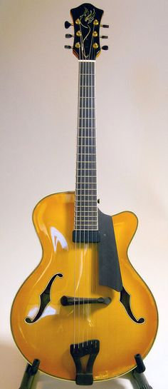 PHOENIX 17 Archtop Guitar