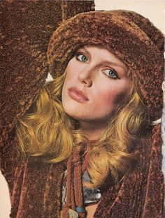1977 'The New Softness in Sportswear' - Patti Hansen for Vogue US, August Photo by Irving Penn 1977 Fashion, Seventies Fashion, Retro Fashion, Fashion Models, Vintage Fashion, Patti Hansen, Lauren Hutton, Vogue Us, Vintage Makeup