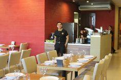 Kuya J Restaurant - Staffs