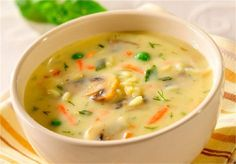 Jarzynkowa z pieczarkami / Vegetable soup with mushrooms Popeyes Menu, Polish Soup, Soup Recipes, Cooking Recipes, Recipies, Chicken Menu, Cheesy Potato Soup, Light Soups, College Meals