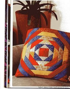 Creative Make A Pillow Or Cushion Ideas. Awe-Inspiring Make A Pillow Or Cushion Ideas. Jelly Roll Quilt Patterns, Patchwork Patterns, Patchwork Cushion, Quilted Pillow, Strip Quilts, Quilt Blocks, Diy Pillow Covers, Pillow Inspiration, Crazy Patchwork
