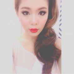 Thai actress w/ her sexy makeup