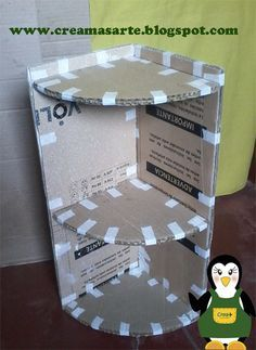 Cardboard can be a very useful tool in constructing simple around-the-house devices. Learn how to take a simple cardboard box that was almost trash and turn it into a functional corner shelf.Resultado de imagem para muebles de carton reciclado paso a Diy Home Crafts, Crafts For Kids, Cardboard Crafts, Paper Crafts, Cardboard Box Storage, Cardboard Organizer, Cardboard Letters, Diy Paper, Wood Crafts