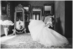 classical bridal portrait | Rianka's Wedding Photography | Memoire Wedding