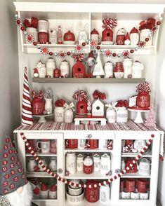 Christmas Kitchen, Christmas Love, All Things Christmas, Christmas Themes, Christmas Decorations, Holiday Decor, Xmas, Christmas Hot Chocolate, Christmas Interiors