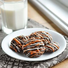 Here's a quick little Halloween treat for you Nothing is tastier than these Nutella 2 bite cookies:)