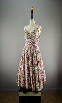 Vintage floral print dress!