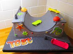Skate board half pipe cake