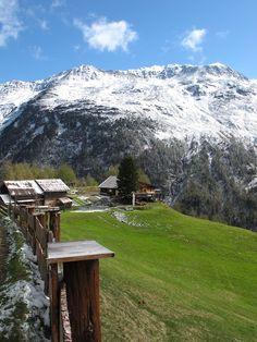 """Hike to the lovely """"Lenzen Hut"""" near #Sölden."""